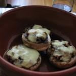 Ciuperci umplute la cuptor [Baked stuffed mushrooms]