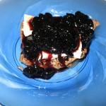 Muschi de vita cu branza Camembert si dulceata de cirese amare