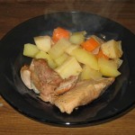 Pulpa de curcan cu legume la cuptor cu sos de vin alb