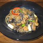 Paste de cartofi (taitei de celofan) cu ciuperci aromate si creveti