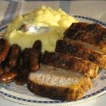 Cotlet de porc, carnati si piure de cartofi