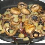 Ciuperci champignon cu bacon si ananas