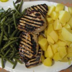 Friptura, cartofi natura, fasole verde