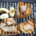 Ciuperci (iutari) la gratar cu slaninuta si ceapa coapta