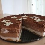 Tort cu mousse din 3 feluri de ciocolata