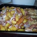 Mancarica de cartofi cu condimente si fleica la cuptor