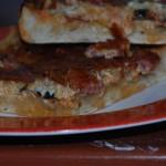 Pizza cu ciuperci si carnati